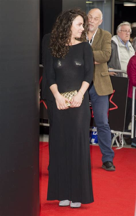 Amy Manson Braless – The Fappening Leaked Photos 2015-2020