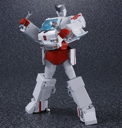 Masterpiece MP-30 Ratchet High-Res Official Images