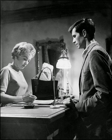 """50 Rare Backstage Photos from the Filming of """"Psycho"""