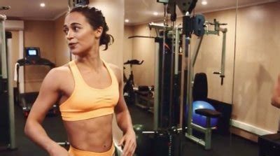 How to get ripped like Alicia Vikander did to play Lara