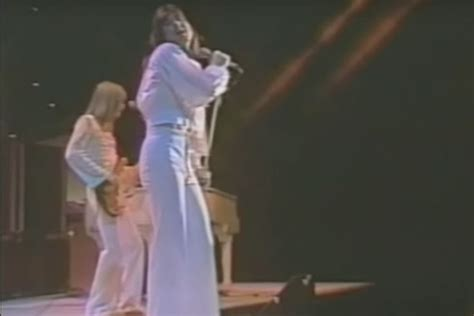 When Steve Perry Performed His First Show With Journey