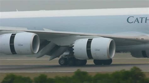 Flap, spoiler, slats and thrust reverse on Boeing 747-8F