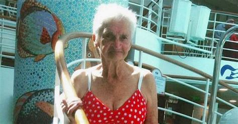 Grandma Poses For A Photo, But When People See Her Bathing